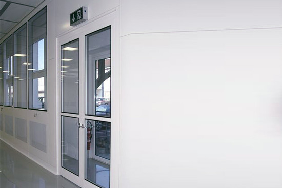 Cleanroom doors for pharmaceuticals and medical engineering